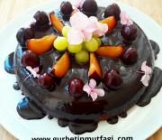Tavada Çikolata Soslu Kek
