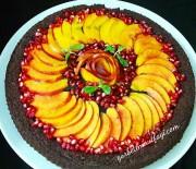 Çikolata Soslu Meyveli Tart Kek Tarifi (Şeftali,Nar)