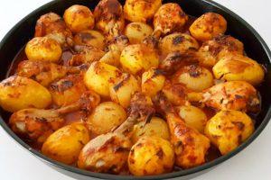 Fırında Soslu Tavuk Patates Tarifi-Çok Kolay Ve Lezzetli Bir Yemek-Tavuklu Tarifler-Gurbetinmutfagi