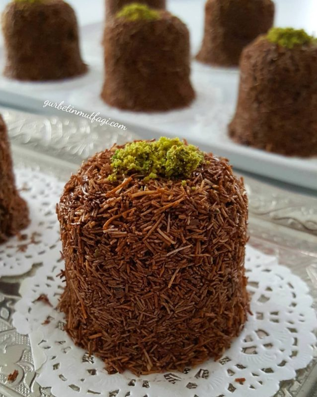 2 Malzemeli Çikolatalı Çıtır Kadayıf Tarifi- 5 Dakikada Çikolatalı Tarifler-Gurbetinmutfagi